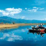 Ανατολή ηλίου στην λίμνη Τριχωνίδα