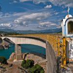 Η φανταστική γέφυρα Τατάρνας στη λίμνη Κρεμαστών