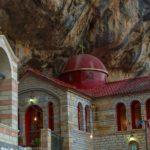 Ο Ιερός Ναός της Αγίας Παρασκευής στη Κανδήλα Ξηρομέρου