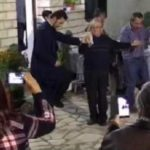 O λεβέντικος χορός του πάπα-Κώστα στη γιορτή τσίπουρου στην Κόνισκα