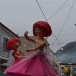 «Πλούσιο» θέαμα και ξέφρενο γλέντι στα καρναβάλια της Αιτωλοακαρνανίας