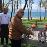 Το Πασχαλινό γλέντι της εκπομπής «Αλάτι της Γης» στη λίμνη Τριχωνίδα