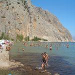 Μια καλοκαιριανή βουτιά επιβάλλεται στην παραλία Κρυονερίου