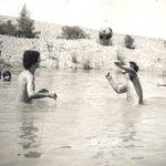 Για μπάνιο στις «λούμπες» του Αχελώου!