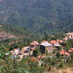 Ελατόβρυση, το γραφικό χωριό της ορεινής Ναυπακτίας με τα παραδοσιακά πετρόκτιστα σπίτια