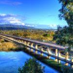 Η επιβλητική γέφυρα του Αχελώου στη τεχνητή λίμνη Στράτου