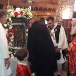 Η λιτάνευση της ιερής εικόνας του Αγίου Νικολάου στα Καλύβια