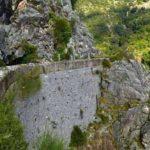 Ο τοίχος του αυλακιού-δρόμου, ένα έργο τέχνης στο ορεινό Θέρμο