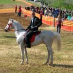 Το έθιμο με τις ιπποδρομίες στο εξωκλήσι του Αγίου Γεωργίου στο Ευηνοχώρι