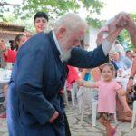 O λεβέντικος χορός του παπα-Νίκου στη Δορβιτσά Ναυπακτίας (video)
