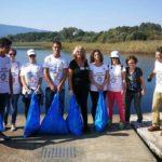 Εθελοντές ανέλαβαν δράση καθαρισμού σε τρία σημεία της λίμνης Τριχωνίδας