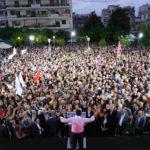 «Βούλιαξε» η πλατεία Δημοκρατίας στο Αγρίνιο για την ομιλία του Αλέξη Τσίπρα