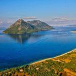 Κάλαμος: Το καταπράσινο νησί του Ιονίου!