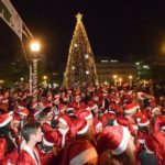 Γέμισε… Άη Βασίληδες το Αγρίνιο που έτρεξαν στους δρόμους της πόλης