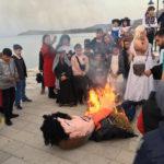 Αναβίωσε το έθιμο του αχυρένιου Γληγοράκη στη Βόνιτσα