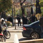 Αστυνομική επιχείρηση για να απομακρυνθούν οι ηλικιωμένοι από την πλατεία Δημοκρατίας στο Αγρίνιο