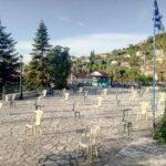 «Empty Chairs»: Διαμαρτυρία με άδειες στην πλατεία της Ανάληψης Τριχωνίδας