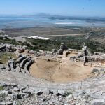 Υπάρχουν και θετικά νέα όπως η ανάδειξη των αρχαίων θεάτρων της Πλευρώνας και των Οινιάδων!