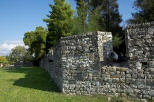 Προχωρούν οι διαδικασίες για την αποκατάσταση του Τείχους του Κήπου των Ηρώων