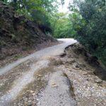 Σε πλήρη εγκατάλειψη το οδικό δίκτυο στα χωριά του Αρακύνθου
