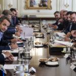 «Γαλάζιοι» αυτοδιοικητικοί σε κρίση – Περιφερειάρχες και Δήμαρχοι στο στόχαστρο του Μαξίμου