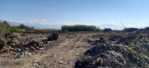 SOS: Τα μπάζα από έργο της Περιφέρειας κατέληξαν στη λίμνη Τριχωνίδα!