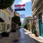 Γέμισαν με σημαίες και λάβαρα της Επανάστασης οι δρόμοι και τα κτίρια του Μεσολογγίου