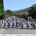Μια συγκινητική εκδήλωση στο Γαλατά Ναυπακτίας: Η Ειρήνη «μοιράζει» χαμόγελα από τον ουρανό