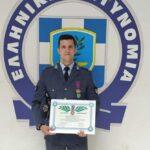 Νίκος Κοντούρης: Ο Αγρινιώτης αστυνομικός που έσωσε 48 άτομα στη φωτιά στο Μάτι τιμήθηκε με τον Αστυνομικό Σταυρό