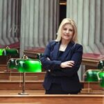 Tόνια Αράχωβα: Η πρώτη Ελληνίδα πρόεδρος της Διεθνούς Ένωσης Βιβλιοθηκών