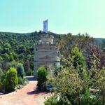 Ο Λευκός Πύργος της Γαβρολίμνης από μπουκάλια στον Βοτανικό Κήπο «Ζέλιος Γη»