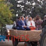 Επικές στιγμές: Σε καρότσα τρακτέρ ξεναγήθηκε ο Σπήλιος Λιβανός στην Αμερικανική Γεωργική Σχολή (vid)