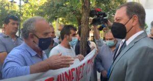Τα «άκουσε» από διαμαρτυρόμενους αγρότες ο Σπήλιος Λιβανός στο Αγρίνιο (vid)